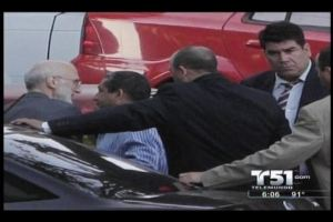 Alan Gross a su salida de tribunal en La Habana